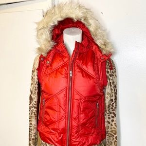 NWT Forever 21 Red Puffy Vest w Fur Trim Hoodie M